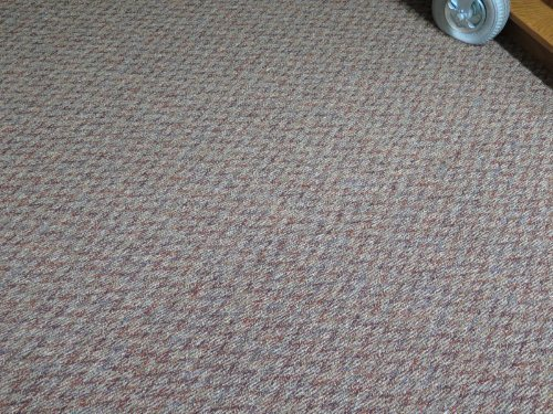 Noticeable carpet seem in berber carpet
